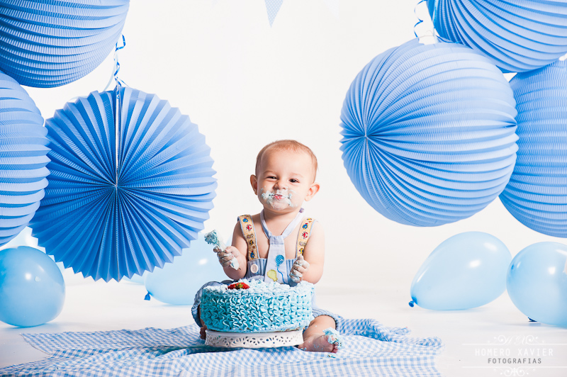 Samuel Xavier Smash the Cake