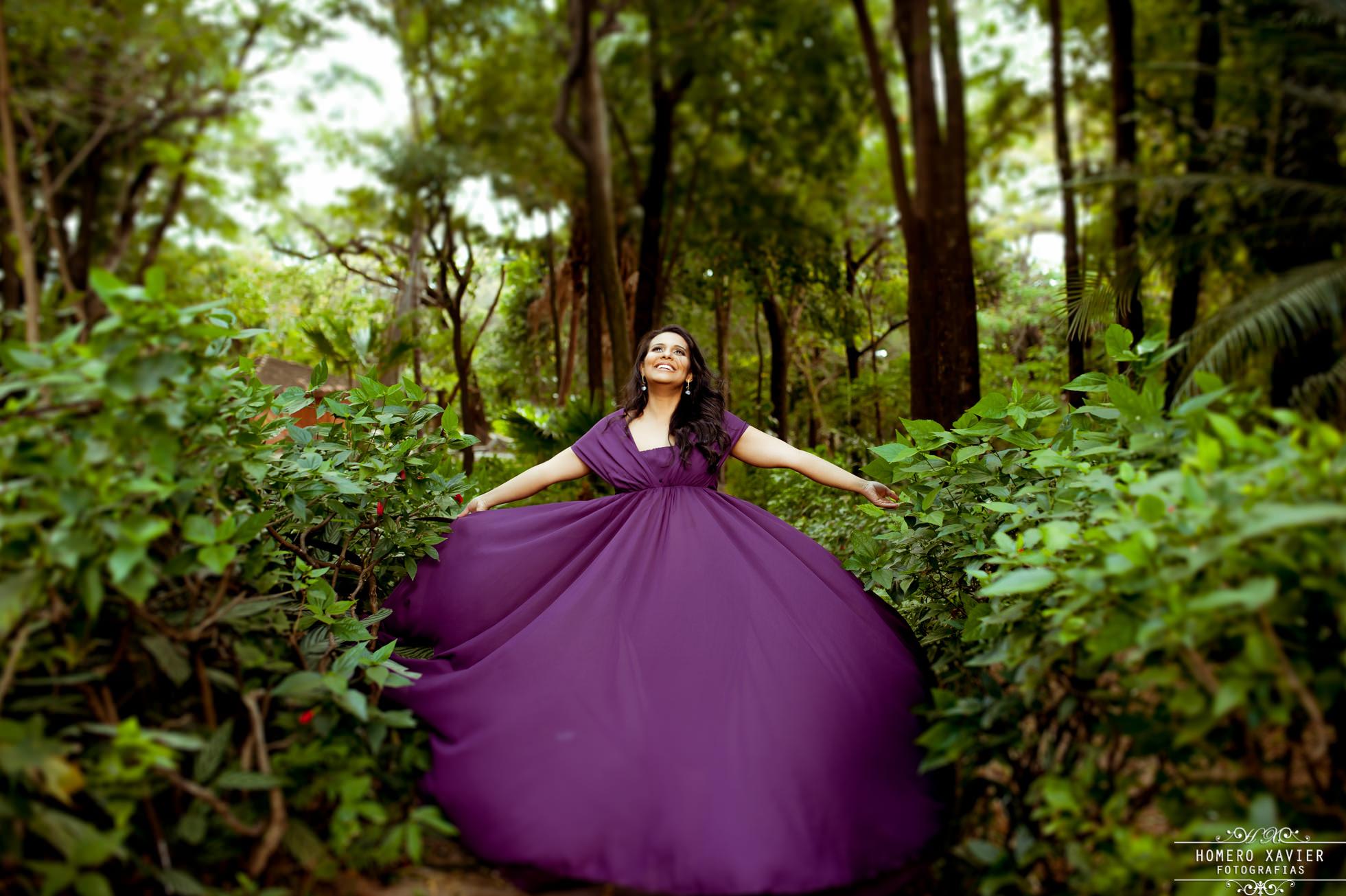 vestido roxo para fotos de gestante